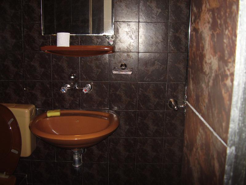 A2C-1-bathroom